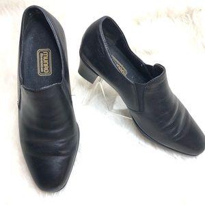 Munro black leather comfort shoe